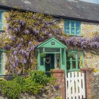 2 Wisteria Cottages, Chard