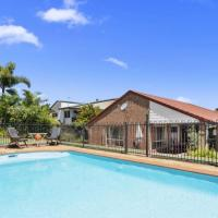 BB233 Banksia Beach Family Home - 4 Bedrooms, hotel in Banksia Beach