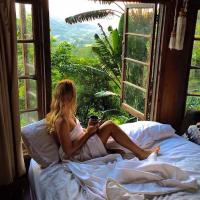 The Den of the Treehouse, KINABALU Farm, hotel in The Pocket