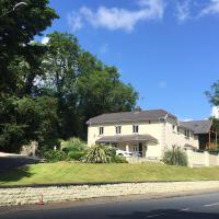 Penyfai Lodge, Entire House - Holiday Home Sleeps Up To 14 People, Close to Beach and Town