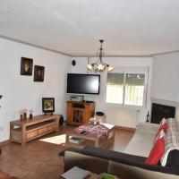 Comfortable Holiday Home with Swimming Pool in Valencia, hotel en Hondón de las Nieves