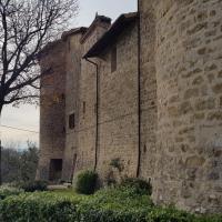 casa vacanze castello di beviglie 1 appt for family, hotel ad Assisi