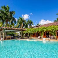 Cajuiles Villa Sleeps 12 with Pool and Air Con