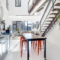 Luxury 3 bedroom Duplex Manhattan Skyline Vews
