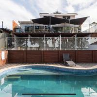 5 bedroom with POOL and Studio Vues Relaxantes, hotel in Glenfield