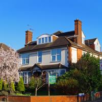 Ricky Road Guest House, hotel in Watford