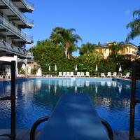 Wave Hotel, hotell i Acireale