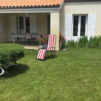 Maison bercée par le bruit de la mer, hôtel à Bretagne
