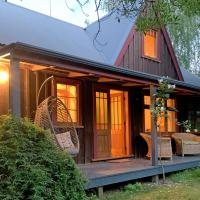 Secluded Colonial Charm, hotel a Nelson