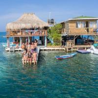 Acuarimantima Hostal Spa, hotel in Tintipan Island