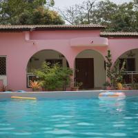 Villa Amarant - Private Garden with Pool Retreat, hotel in Sanyang