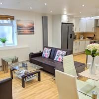 Spacious 2-bed apartment in central Kingston near Richmond Park