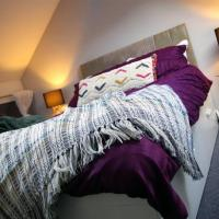 York Central Townhouse Eco-stay with Parking