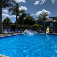 Coromandel TOP 10 Holiday Park, hotel in Coromandel Town