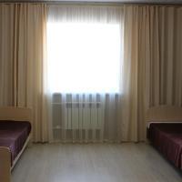 Апартаменты на Октябрьской двухкомнатные, hotel in Shadrinsk