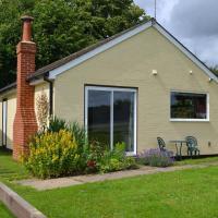 Cozy Holiday Home in Tunbridge Wells Kent amidst Woods, hotel in Lamberhurst