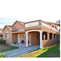 Caribbean Estate Portmore Jamaica, hotel in Portmore