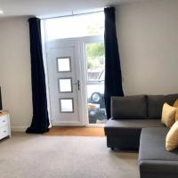 Apartment No 2 spacious whole property, Parking, Aldershot
