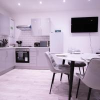 Modern 2 Bedroom Apartments For Contractors and Corporates Stays, FREE PARKING by EVEREST LODGE