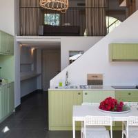 Sandy Feet - Beachfront Loft Apartment, ξενοδοχείο στη Γιάλοβα