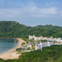 Dreams Playa Bonita, hotel in Playa Bonita Village