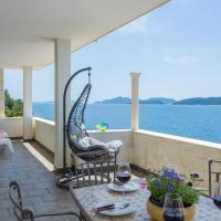 Villa Natasha with Private Beach