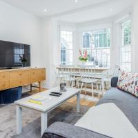 Bonnington Gardens - 1 bed open plan basement flat