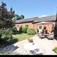 Stunning Barn private hot tub Worcester & Malvern Sleeps 8 with parking