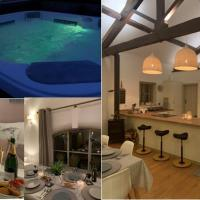 Stunning Barn private hot tub Worcester & Malvern Sleeps 6 plus cot with parking