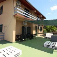 Hostel Marko, hotel in Tisno