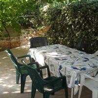 Holiday home Jaroje - 80m from the beach with parking, hotel in Pašman