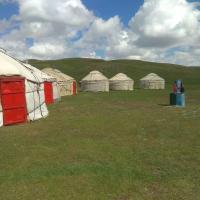 Yurt Camp Lenin Peak, hotel in Kara-Kavak