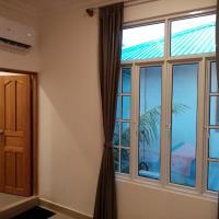 Dhonveli Inn, Bandidhoo، فندق في ميدهو