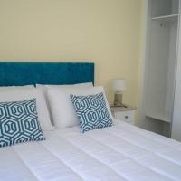 Quinta da Cerca T2 / Azul / Piscina, hotel in Lourinhã