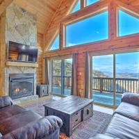 McCloud Mtn Peak Cabin with Deck & Panoramic Views!