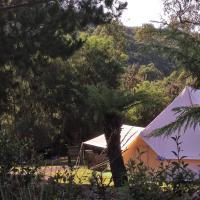 Glamping at Zeehan Bush Camp, hotel em Zeehan