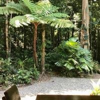 Forest Views Daintree, hotel em Diwan