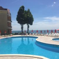 Helios Hotel, отель в Балчике