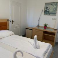 Room next to Cologne Lanxess-Arena and Messe 22