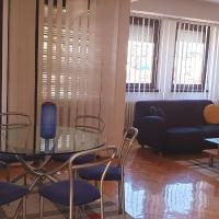 Spectacular apartment in Skopje, City Mall area, hotel em Skopje