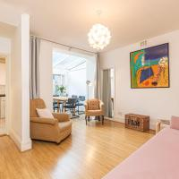 Charming 1-Bed Flat with Patio Near Notting Hill