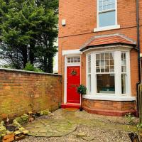 A Charming & Luxe Private House in Harborne