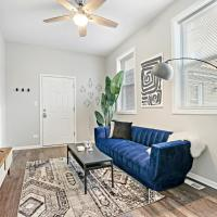 Insta-worthy 2-Bedroom Apt In Trendy Logan Square, hotel in Logan Square, Chicago