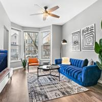 2BR Apt Modern and Cozy Interior at Logan Square, hotel in Logan Square, Chicago