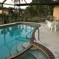 Catalina Cabana - self checkin - pool - parking, hotel in Fort Myers