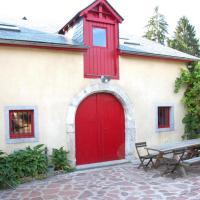 Gîte La Grange, khách sạn ở Bielle