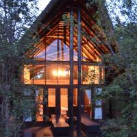 Kgorogoro Lodge, hotel in Pilanesberg