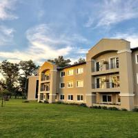 Howard Johnson Resort & Convention Center Ezeiza, hotel in Ezeiza
