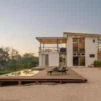 Modern Beach House with Stunning Views - Sleeps 4