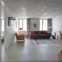 NEW modern and sunny apartment in central Porto